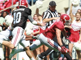 A-Day wrap-up: Some questions left unanswered after sloppy game
