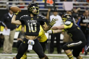 Jan 4, 2014; San Antonio, TX, USA; East quarterback Jacob Park (10) passes the ball during U.S. Army All-American Bowl high school football game at the Alamodome. Mandatory Credit: Soobum Im-USA TODAY Sports